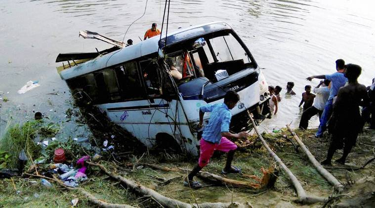 Congress, bihar, bihar bus accident, congress MLA, Bhavna Jha, Bhavna Jha selfie, Madhubani accident, Madhubani bus accident, Madhubani bus accident spot, india news, indian express, indian express news