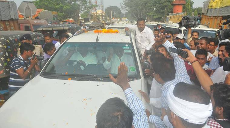TRaffic jam in front of jail and supporters standing on way to greet heir leader and former Siwan MP Md SAhabudding after his release on Saturday, September 10,2016. ore than 300 vehicles were in the release ceremonial convoy of the Md Sahabuddin and more will add on way to Siwan.Express Photo By Prashant Ravi