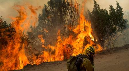 Spain wildfire forces evacuation of 400residents