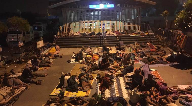 The state of patients outside the AIIMS hospital in, New Delhi late friday night. Express Photo by Neeraj Priyadarshi New Delhi 160916