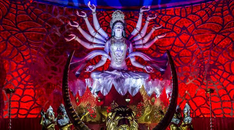 Durga Puja, Durga idol, jute Durga idol, Delhi Durga Puja pandal, handloom sector, artwork, lifestyle news, arts and culture, latest news, Indian express