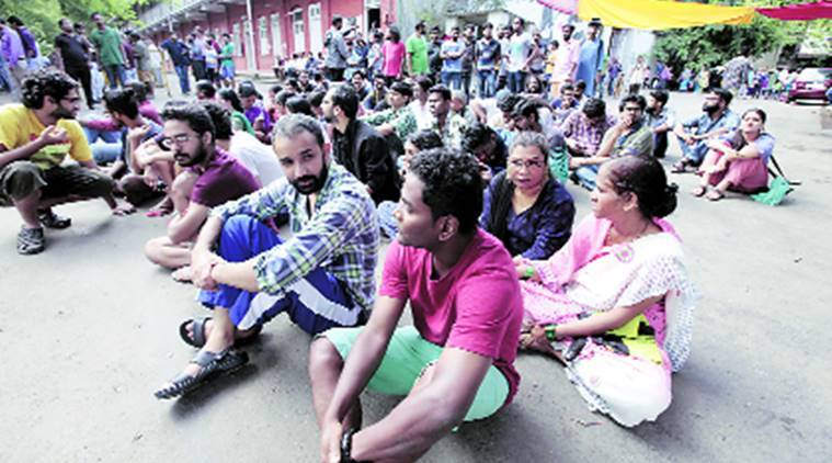 Film and Television Institute of India, FTII protest, FTII sit in protest, FTII administration, FTII staff, FTII staff rehired, pune news, India news