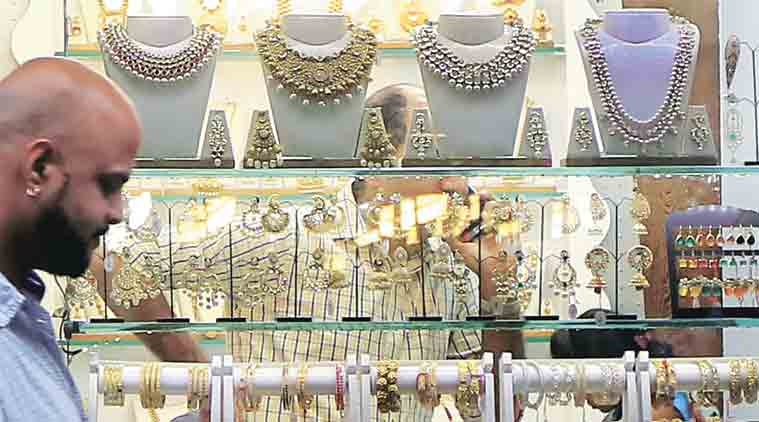 I-T, income tax, raid, jeweller, IDS, black money, I-T raid on half-a-dozen jewellers at Zaveri Bazaar,news, India news,