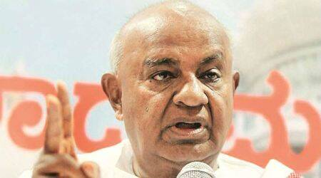 Former PM Deve Gowda pays homage at Vaishno Devi