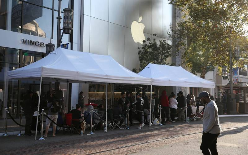 iPhone, Apple iPhone 7 launch, iPhone 7 launch, iPhone 7 huge demand, iPhone 7 supply, iPhone 7 Plus sold out, jet black variants scarce quantity, tech news, technology