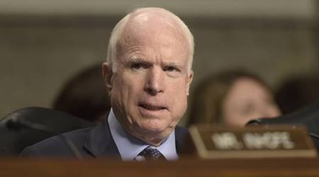 MQM leader briefs US Senator John McCain on situation in Karachi