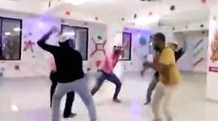 AAP, AAP in gujarat, aap gujarat video, Gujarat Ma Aavshe Kejriwal, arvind kejriwal, kejriwal in gujarat, Kumar Vishwas, Paanch Saal Kejriwal, indian express, indian express news