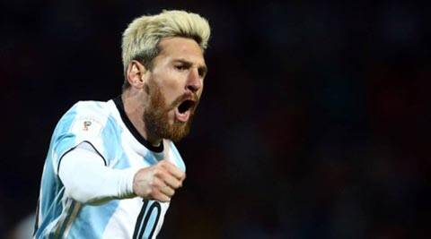 Lionel Messi goal puts Argentina top of World Cup group