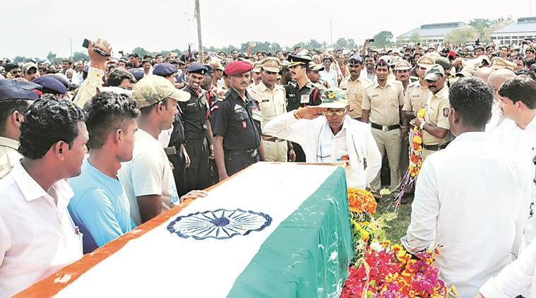 uri, uri terror attack, uri soldiers dead, indina army, 18 soldiers dead, maharashtra homage, homage to martyrs, martyr homage, sepoy vikas janrao, indian express news, india news, uri news