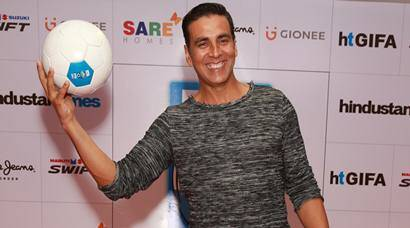 Akshay Kumar turns sporty, plays football with fans