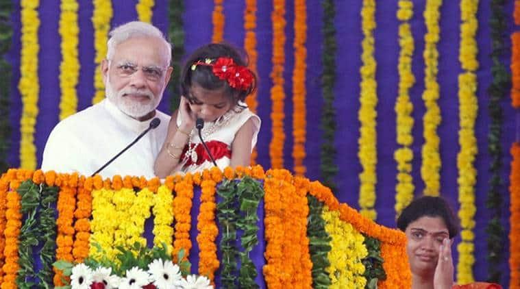 Modi birthday, Narendra modi birthday, PM modi birthday, Modi BJP, Muslims celebrate Modi birthday, modi birthday muslims, Modi muslims, dadar bjp office, Shahnawaz Hussain, India news, mumbai news