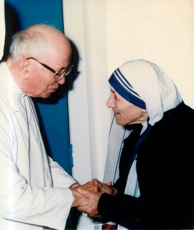 mother teresa leadership The mother teresa prize for global peace and leadership was created in 2014 to recognize individuals and organizations that exemplify the work and spirit of mother.