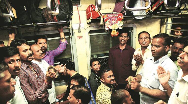 mumbai local train, mumbai local, cst, cst kasara local, bhajan singers on train, indian express news, india news, mumbai news