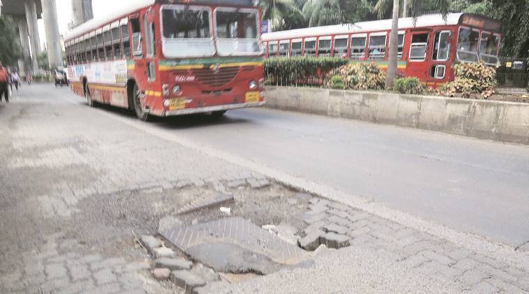 BMC, maharashtra, birhanmumbai municipal corporation, No confidence, BMC commissioner, potholes, Maharashtra congress, india news, indian express
