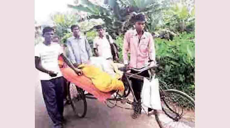odisha, odisha tribal, odisha poverty, poverty in odisha, dead body on rickshaw, odisha chief minister naveen patnaik, Jajpur District Hospital, no medical facility, odisha medical facility, odisha health facility, poor odisha, indian express news, india news