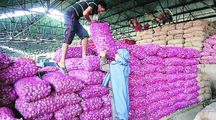 pune, onion prices, maharashtra onion prices, onion prices increase, onion rates go up, onion rates, indian express news, india news