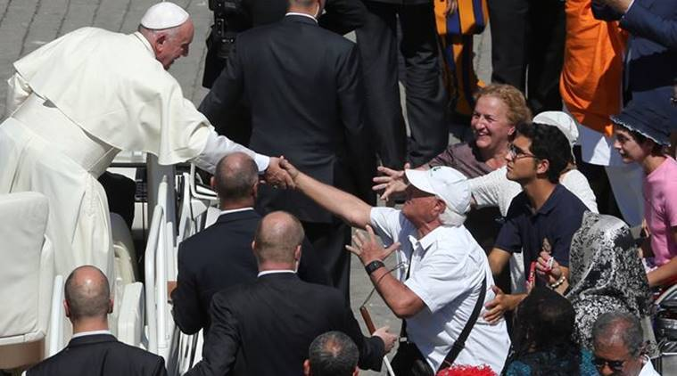 Mother teresa, Pope francis, food for poor, pizza for poor, Pope francis lunch, latest news, world news, mother teresa saint hood