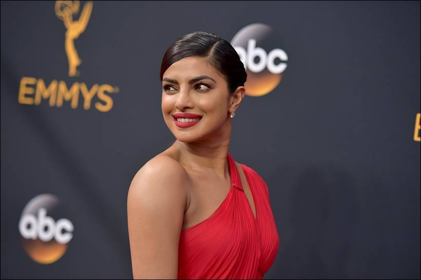 Emmys, 68th Emmy Awards, Emmy 2016, Priyanka Chopra, emmy with Priyanka Chopra, Priyanka Chopra emmy, Priyanka, Priyanka Chopra dress