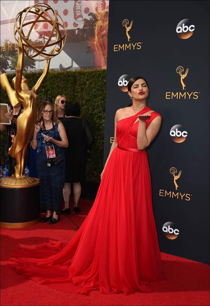 Emmys, 68th Emmy Awards, Emmy 2016, Priyanka Chopra, emmy with Priyanka Chopra, Priyanka Chopra emmy, Priyanka, Priyanka Chopra dress