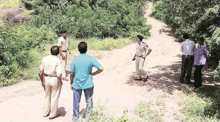 police attacked, pune police, Pashan Sus Road, pune assault, pune news