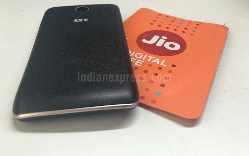 8d894fdab6c Reliance Jio 4G SIM card will soon be home-delivered  Report ...