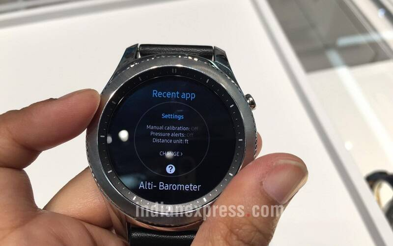 Samsung, Samsung Gear S3, Gear S3 first impression, Samsung Gear S3 hands on, Gear S3 hands on, Gear S3 Frontier, Gear S3 Classic, Gear S3 specifications, Gear S3 features, Samsung smartwatch, Samsung Gear S2, gadgets, technology, technology news