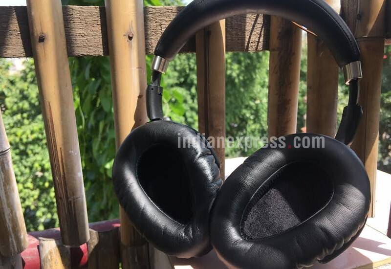 Sennheiser, Sennheiser PXC 550, Sennheiser PXC 550  review, Sennheiser PXC 550 vs Bose QC35, adaptive noise cancellation, noise cancellation headphones, bose headphones, sennheiser headphones, Sennheiser PXC 550 price, Sennheiser PXC 550 India, Sennheiser PXC 550 features, headphones, technology, technology news