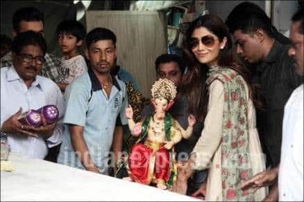 Ganesha Chaturthi, happy Ganesha Chaturthi, shilpa shetty, shilpa Ganesha Chaturthi, Shilpa Shetty son, Raj Kundra, Shilpa Shetty son viaan, Ganesha Chaturthi celebration pics