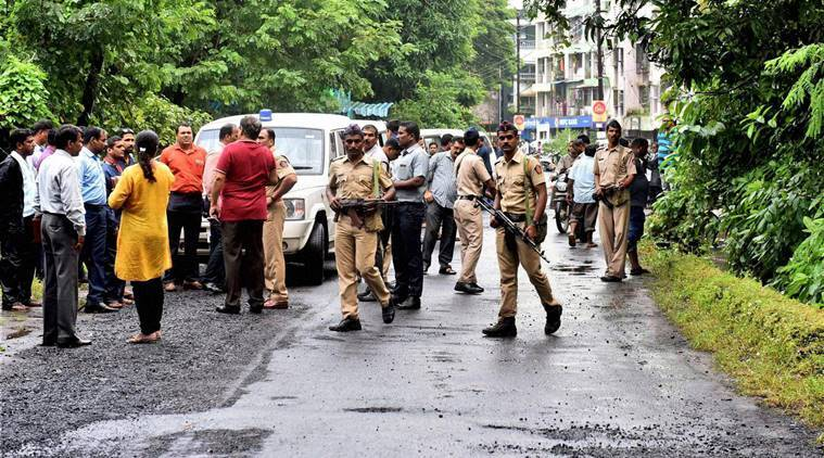 Mumbai : Heavy security arrangements after two school children spotted suspicious looking gunmen at Uran, in Navi Mumbai on Thursday. PTI Photo (PTI9_22_2016_000252B)