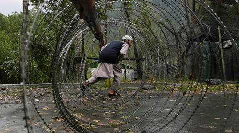 Pakistan troops fire at Indian positions on LoC