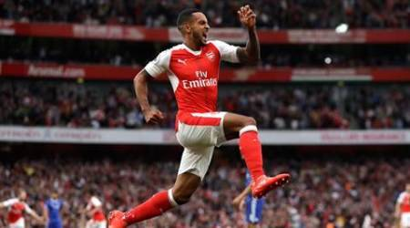 Arsenal beat Chelsea 3-0 after first half blitz