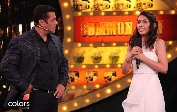 bigg boss, bigg boss 10, bigg boss 10 highlights, bigg boss 10 stills, bigg boss 10 pictures, bigg boss 10 memorable moments, bigg boss 10 moments, bigg boss 10 launch episode, bigg boss 10 episode 1, bigg boss 10 october 16, bigg boss 10 salman khan, bigg boss 10 premiere episode, bigg boss 10 salman deepika, bigg boss 10 confirmed contestants, bigg boss 10 deepika padukone, bigg boss 10 written update, bigg boss 10 first episode, bigg boss 10 news, bigg boss 10 participants, celebrities, common people, television news, entertainment updates, indian express, indian express news