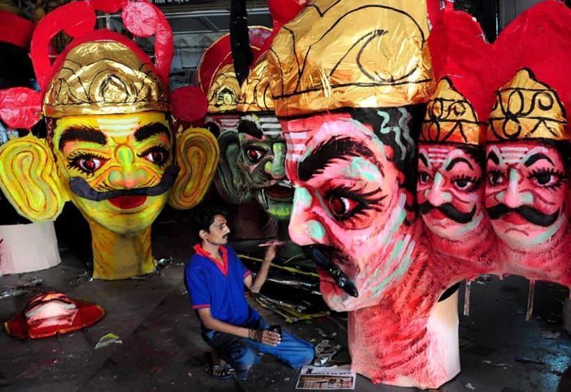Bengalis celebrate Durga puja with fervour