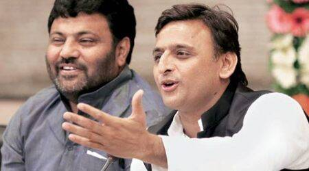 National Food Security Scheme: CM Akhilesh Yadav hands out ration cards, grain bags bearing his photo; BJP sees red