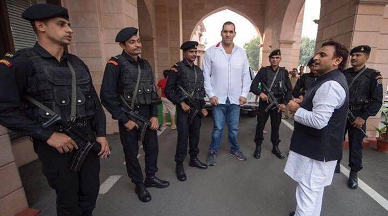 That's Akhilesh Yadav posing with The Great Khali