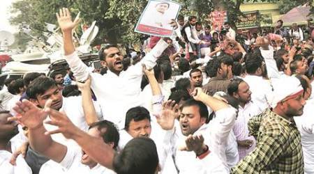 Akhilesh supporters throng party HQ as new state chief takes charge in old office