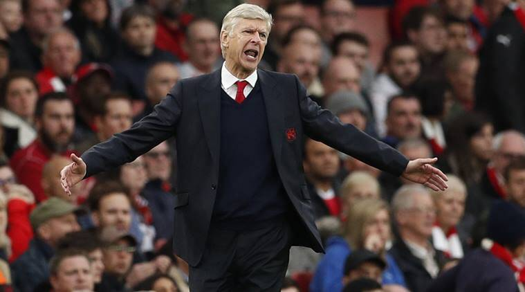 Arsene Wenger downplays hooliganism problem in English football