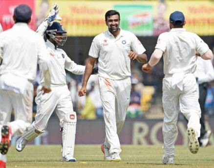 india vs new zealand, ind vs nz, india tests, india vs new zealand test images, ravichandran ashwin, ashwin, virat kohli, ajinkya rahane, indore test, indore test photos images, india vs new zealand photos, india vs new zealand day 3 photos, india vs new zealand 3rd test photos,