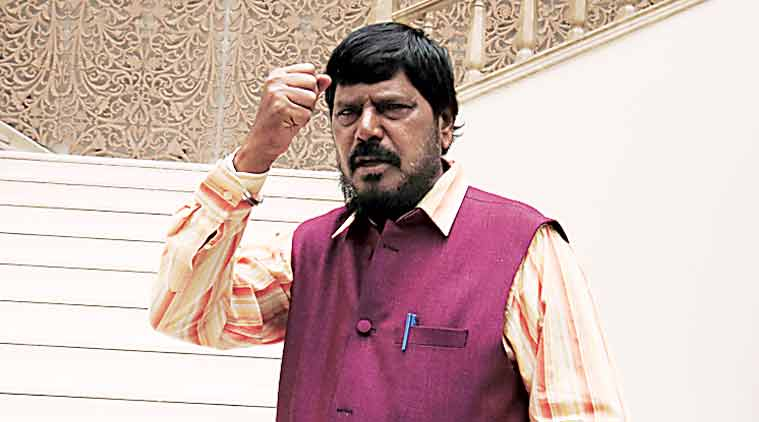 Shiv Sena will suffer if it snaps ties with BJP: Athawale