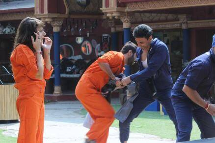 navin, manoj manu, rahul dev, bigg boss luxury task, bigg boss laundry