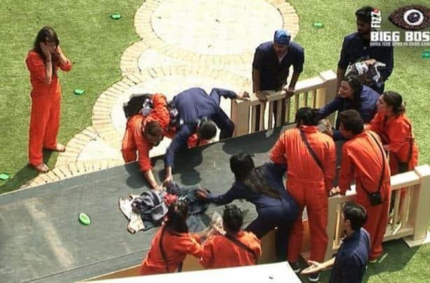 bigg boss laundry, bigg boss 10, bigg boss luxury task, rahul dev, gaurav chopra, manveer gujjar, vj bani, rohan mehra, karan mehra, mona lisa, bigg boss update
