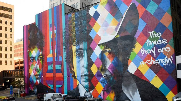 Picture shows a view of a mural of Bob Dylan, the 2016 Nobel Prize winner in literature, in Minneapolis, Minnesota, U.S., October 13, 2016. The mural was created by Brazilian artist Eduardo Kobra and his team. REUTERS/Craig Lassig FOR EDITORIAL USE ONLY. NO RESALES. NO ARCHIVES.