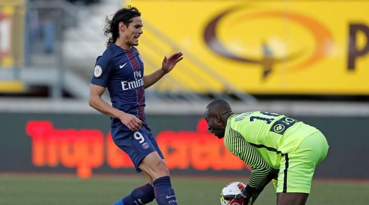 Cavani intercepted Michael Chretien's poor header towards Ndy Assembe and easily beat the keeper.