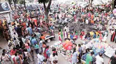 Chandigarh: Despite orders by MC, vendors encroach upon parking lots