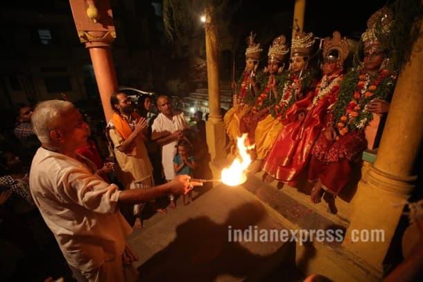 navratri 2016, navratri, ramleela, chitrakoot ramleela, oldest ramleela in the world, world's oldest ramleela, varanasi ramleela, tulsidas, tulsidas ramayana, ramayana, indian express, indian express news