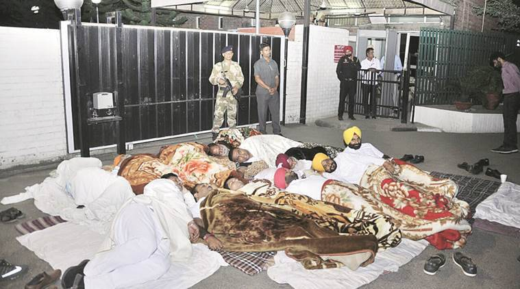sad congress clash, Youth Akali Dal, congress, punjab congress, dussehra, punjab dussehra, congress leader booked, glada ground, ravneet singh bittu, indian express news, india news, latest news, Chitta Raavan, Chitta Raavan' clash probe, Chitta Raavan' clash