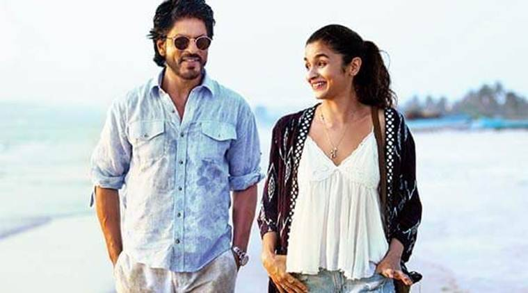 Alia Bhatt, Shah Rukh Khan, Dear Zindagi crew members, Dear Zindagi wrap-up party, Alia shah rukh gifts crew members, dear zindagi trailer, dear zindagi movie, dear zindagi news, dear zindagi updates, bollywood updates, bollywood news, entertainment news, indian express news, indian express