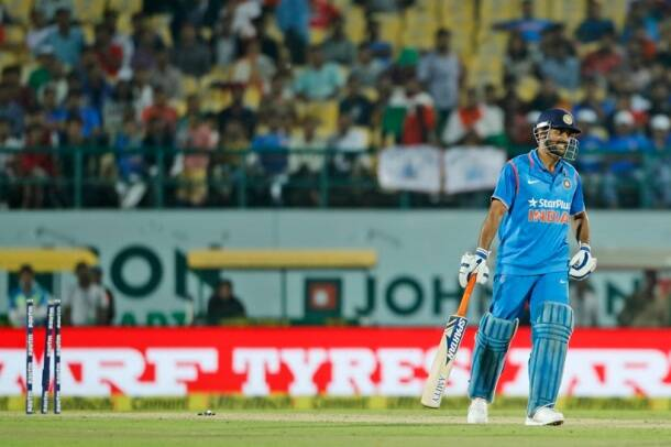 MS Dhoni, Dhoni, India vs New Zealand, ind vs nz, ind vs nz odi, ind vs nz 1st odi , ind vs nz 1st odi photos, India vs New Zealand photos, Virat kohli, Kohli, Dhoni, MS Dhoni, Kedar Jadhav, Jadhav, Southee, Latham, Cricket photos, India cricket photos, cricket news, cricket