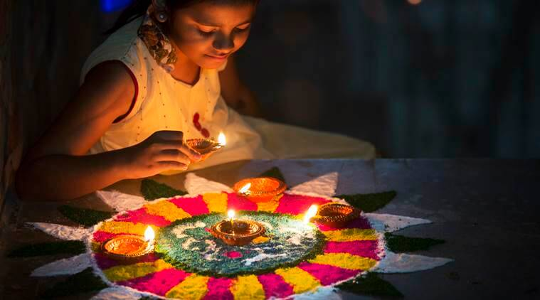 Since Diwali is a festival of lights, it's important that your place is well lit. Candles, fairy tea lights, diyas, make sure that your house is basking in it. (Source: Thinkstock Images)