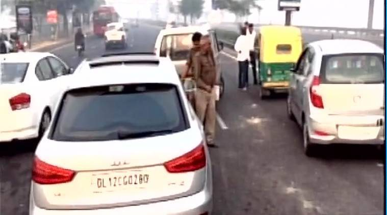 DND accident, DND flyway, Delhi smog, Delhi pollution, Diwali effect, Delhi weather, Delhi news, India news, latest news, indian express